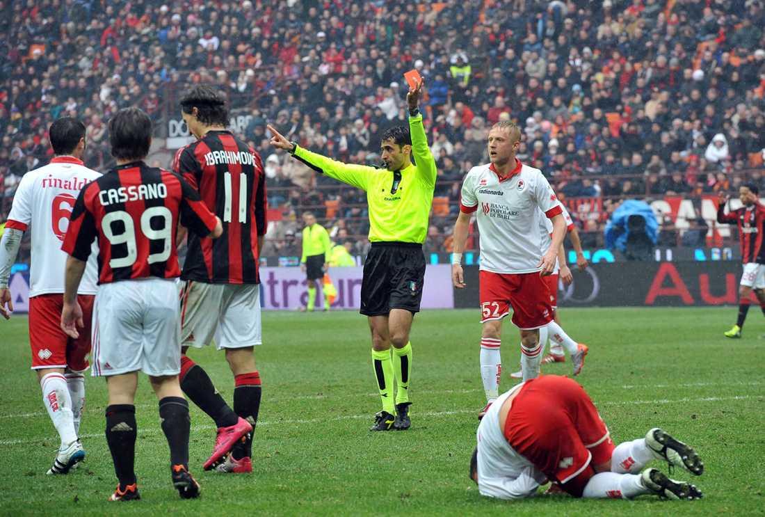 Zlatan får syna det röda kortet.