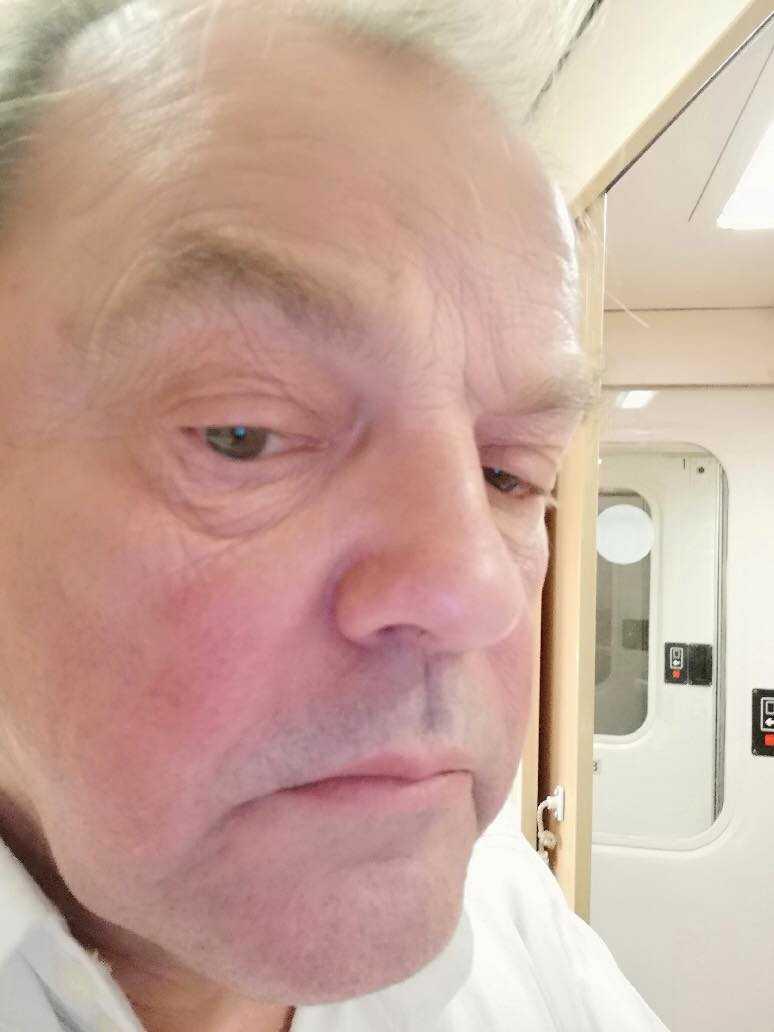 Stig Sjöblom är en av resenärerna som blev fast på tåget.