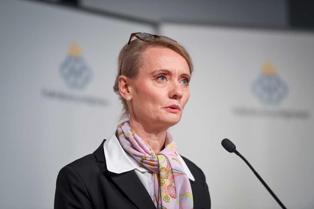 Karin Tegmark Wisell, enhetschef på Folkhälsomyndigheten, berättar att man på myndigheten förväntar sig fler dödsfall.