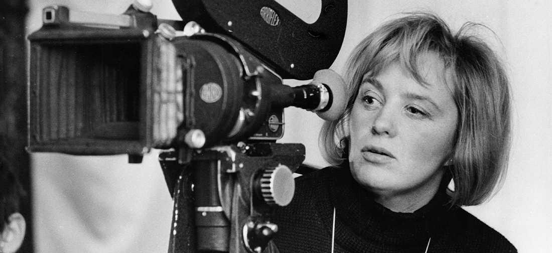 "Den svenska filmskaparen Mai Zetterling förekommer flitigt i Mark Cousins ""Women make film""."