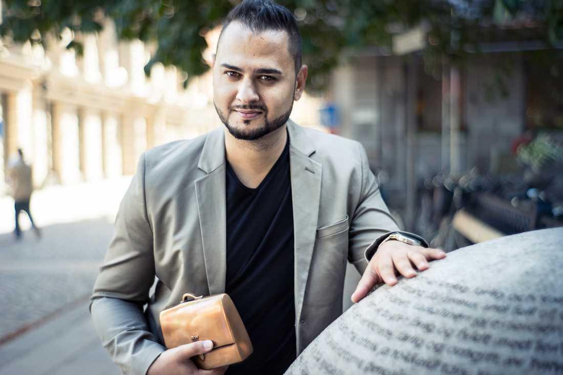 Emir Selimi menar att frågan inte kan bagatelliseras eftersom segregeringen av romer är högst levande.