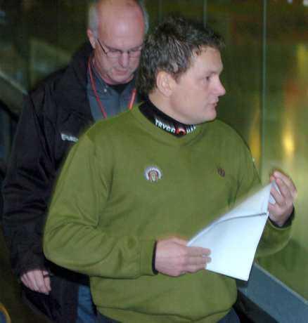 Pressen på Frölundas tränare Stephan Lund ökar ytterligare.