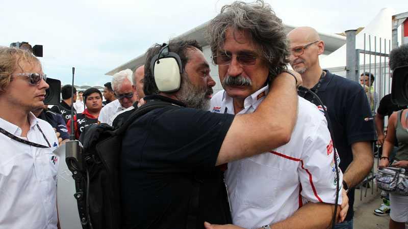 Pappan Paolo Simoncelli i chock.
