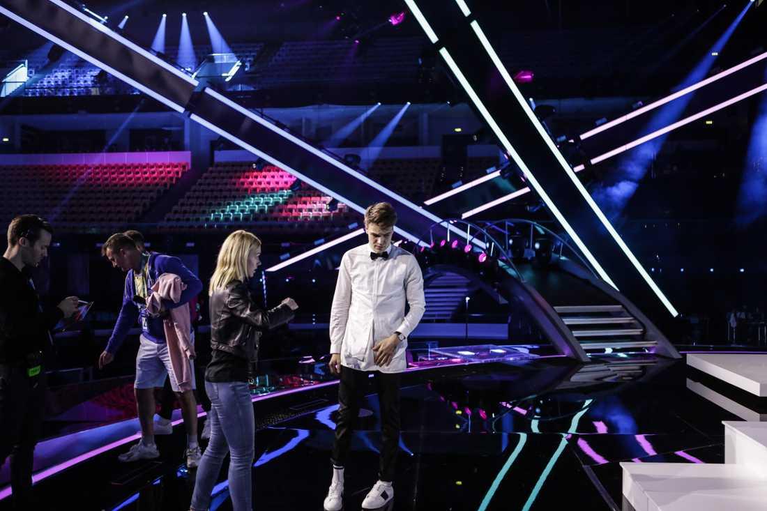 Mikolas Josef under repetitionerna för Eurovision.