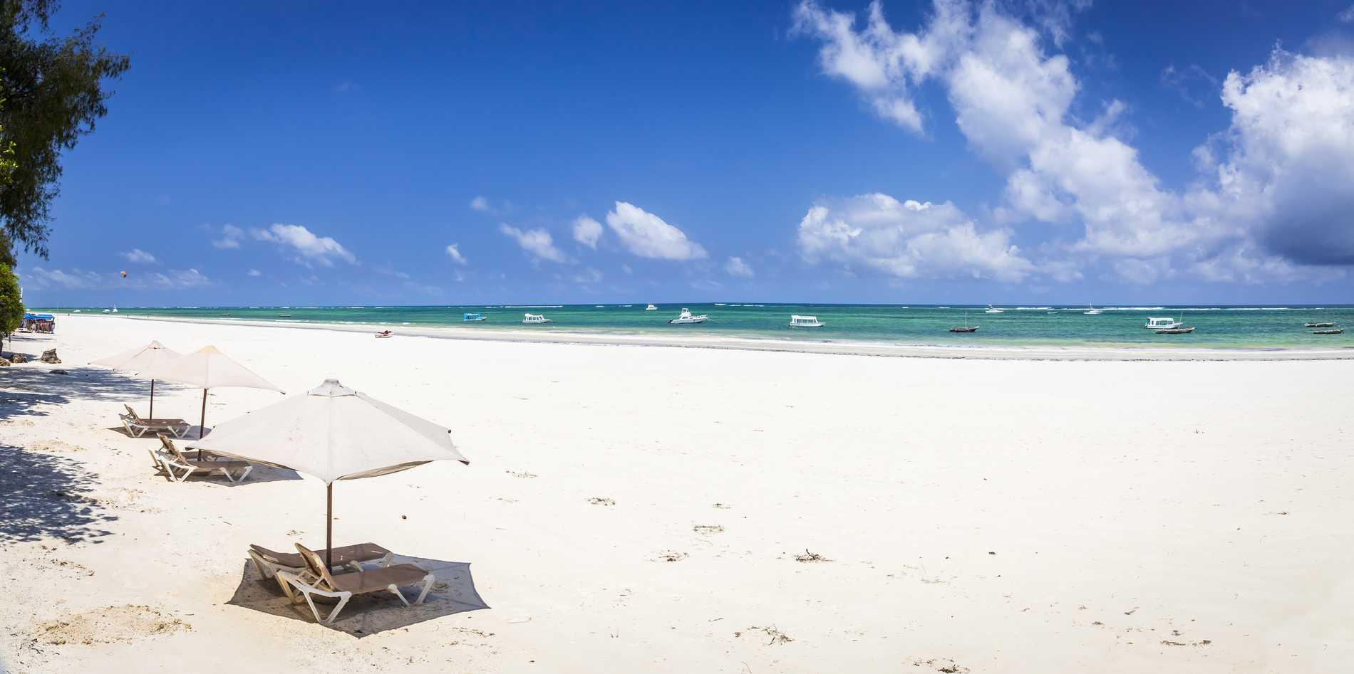 Stranden är långt från överbefolkad i Diani.