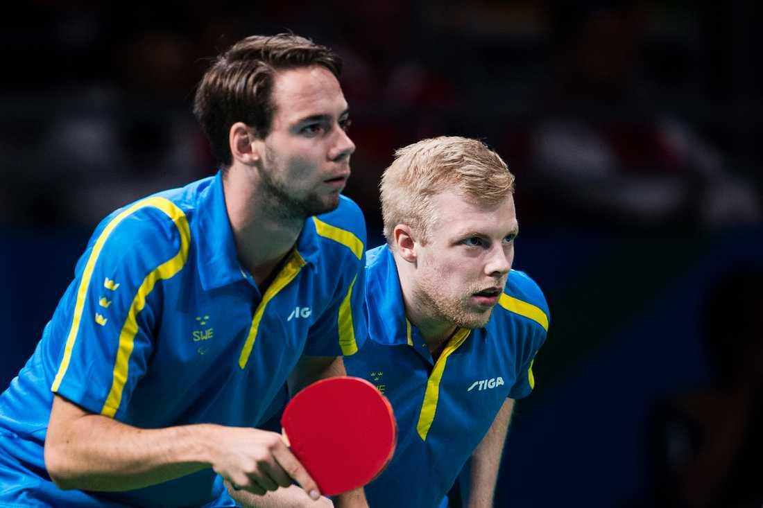 Emil Andersson och Linus Karlsson i finalen i herrarnas dubbel i bordtennis under Paralympics i Rio de Janeiro 2016.