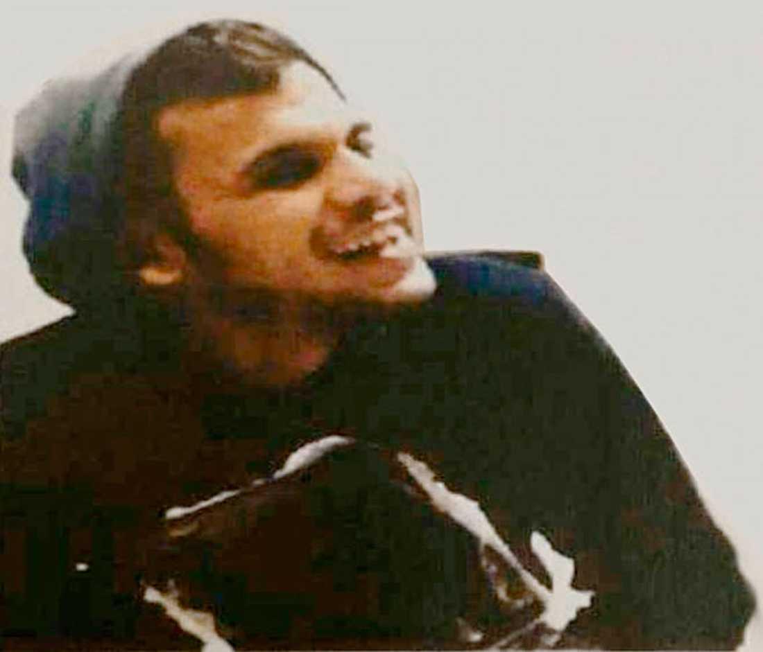 Bilden som gick ut till poliser i yttre tjänst när Muthanna Majid var efterlyst.