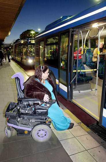Sverige ska bli lättare att resa i för funktionshindrade. Ofta tar det stopp direkt - som när Ingrid Buch ska på bussen i Stockholm.