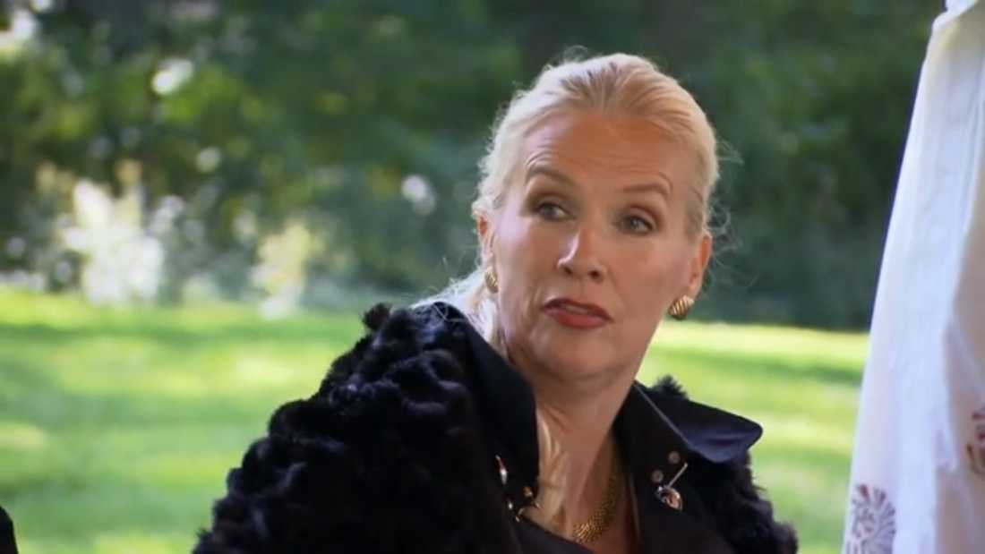 Gunilla Persson ger Zübeyde gravidråd.