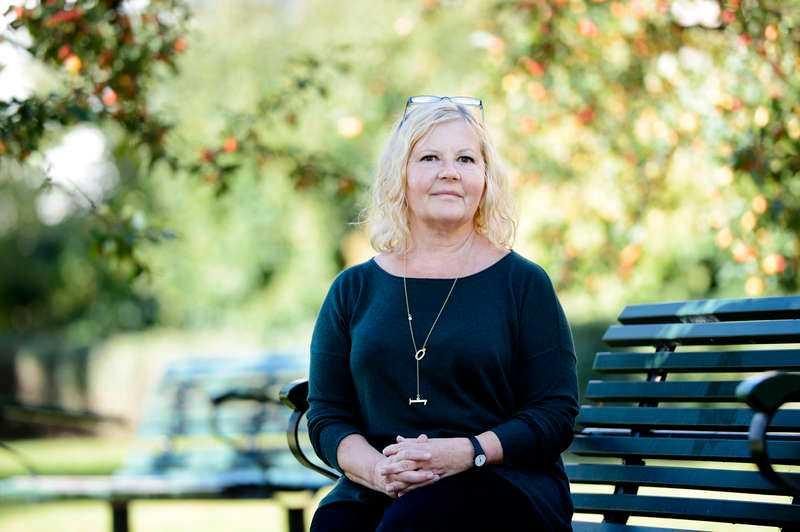 """Vid väninnans sida. Eva Franchell var nära vän med Anna Lindh och var med den där dagen på NK i Stockholm. """"Jag är övertygad om att Anna hade levt i dag om hon hade haft livvaktsskydd"""", säger hon."""