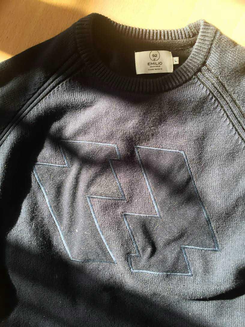 En tröja med SS-liknande tryck ledde till att 19-årige Anton blev slagen och knuffad utanför koncentrationslägret Auschwitz.