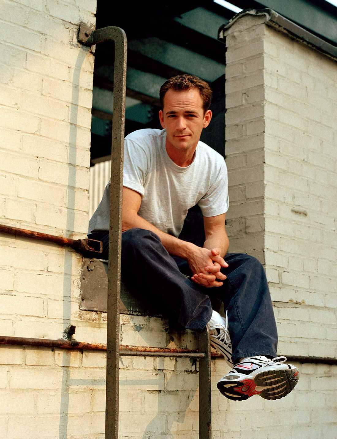 Porträtt av Luke Perry i New York 2001, i samband med en intervju om karriären efter Beverly Hills då han  spelade i en Broodwaypjäs.