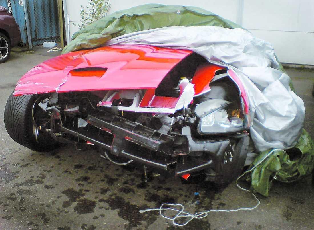 EFTER Bilen totalförstördes.
