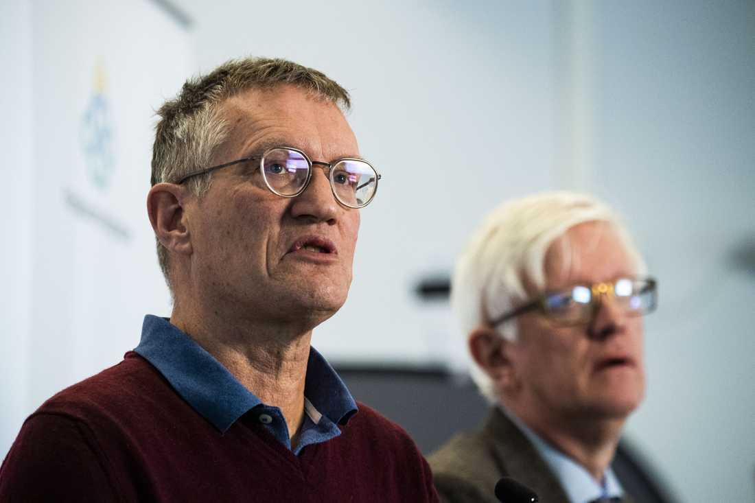 Folkhälsomyndighetens Anders Tegnell och Johan Carlson.