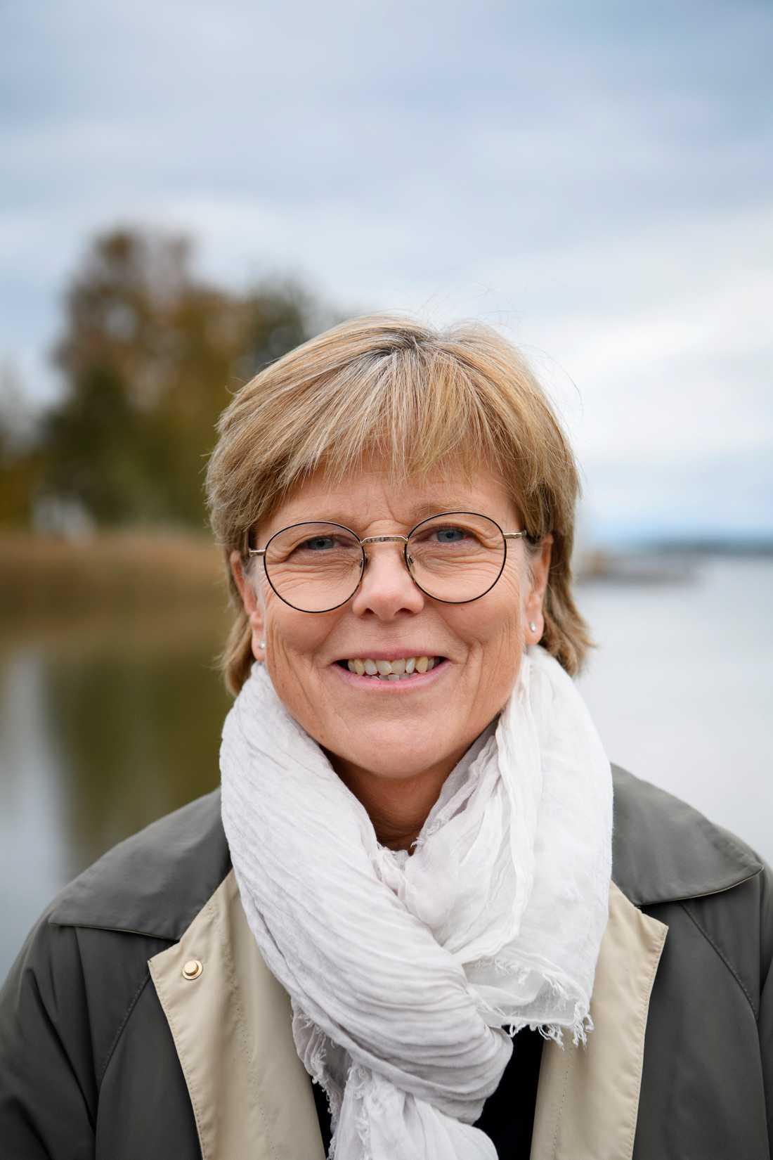 """Svenska Akademiens ständige sekreterare Mats Malm ser fram emot att få jobba med Ingrid Carlberg. """"Hon har skrivit några fantastiska biografier"""", säger han."""