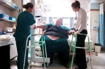 FÖRE När Patrick Deuel, 42, kom till sjukhuset vägde han ofattbara 483 kilo.