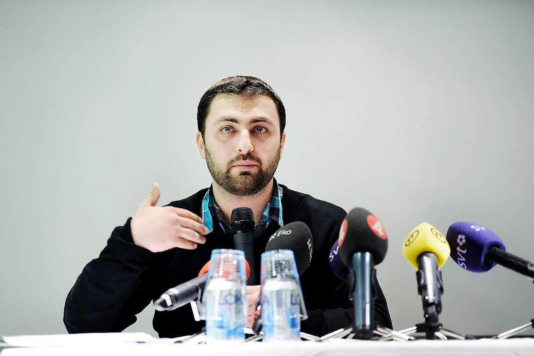 Debatten kring Omar Mustafa har mest varit en diskussion om och inte med.