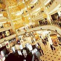 Vill du ha lyx? Vid Petronas Towers ligger galleriorna tätt.