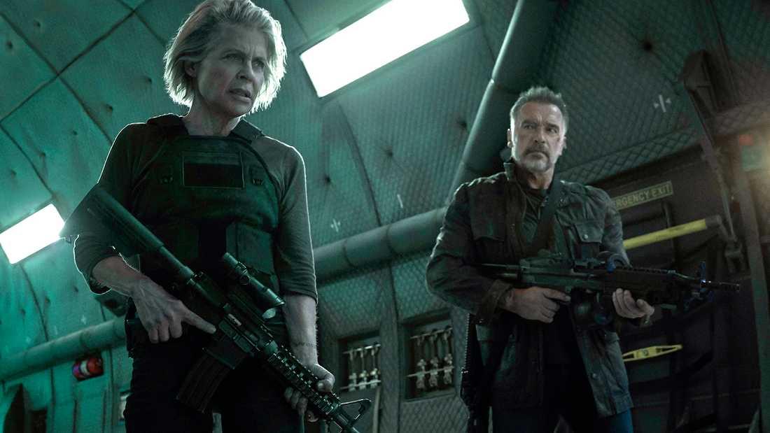"""Linda Hamilton och Arnold Schwarzenegger i """"Terminator: Dark fate."""""""