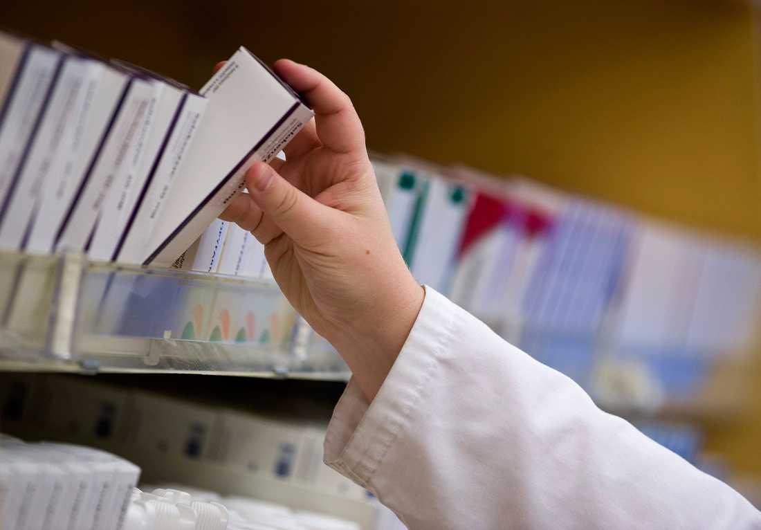 Avregleringen 2009 – från en dag till en annan försvann det övergripande ansvaret för läkemedelsförsörjningen som Apoteket AB haft.