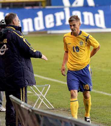 Markus Rosenberg byter en plats i Malmös anfall mot bänken i Ajax.