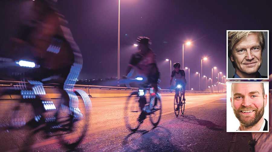 Vår nya undersökning visar att 39 procent av cyklisterna anser att andra cyklister inte följer trafikreglerna, skriver Klas Elm och Lars Strömgren.