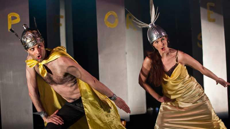 """Lindy Larsson och Charlotte Engelkes i """"The very Wagner hero hour"""". I vår uppträder de tillsammans i """"The very Wagnerian night"""" på Operan i Stockholm. Foto: Mats Bäcker"""