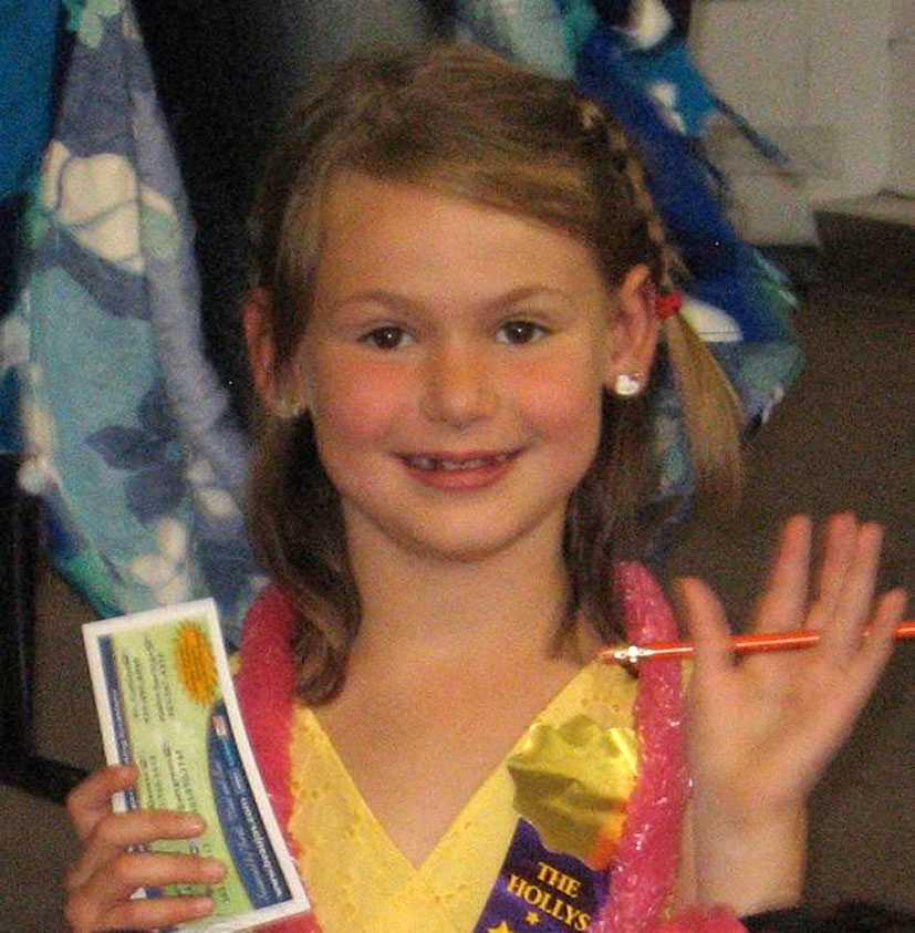 """Veronica Moser-Sullivan, 6, hade precis lärt sig simma när hon gick på premiären av """"Dark Knight rises"""". Hon är det yngsta offret i massakern."""