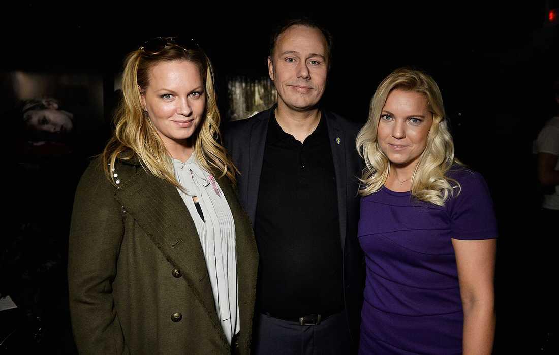 Makeupartisten Carina Nilsson, Niklas Bodell, Svenska fotbollförbundets kommunikationschef, och Aftonbladets journalist Carina Bergfeldt.