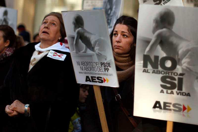 Demonstration i Spanien mot rätten till fria aborter.