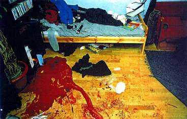 ett typiskt svenskt dråp Ett bråk om en gammal skuld på en fest slutar med att den ene mannen hugger den andre i bröstet med en kökskniv. Lungan punkteras och han förblöder. Detta är ett typiskt dråp i Sverige, men uppmärksammas sällan i media.