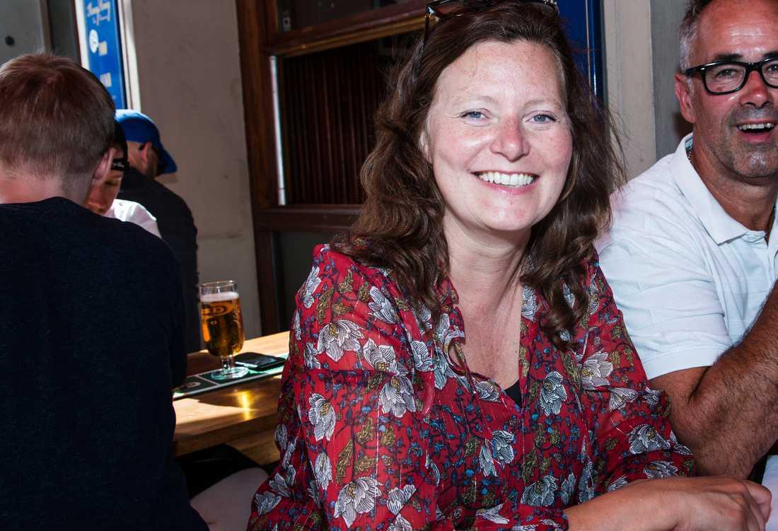 Sonja Wikner tycker inte att det behövs en lag utan att det räcker att restauranggäster tar hänsyn till varandra.