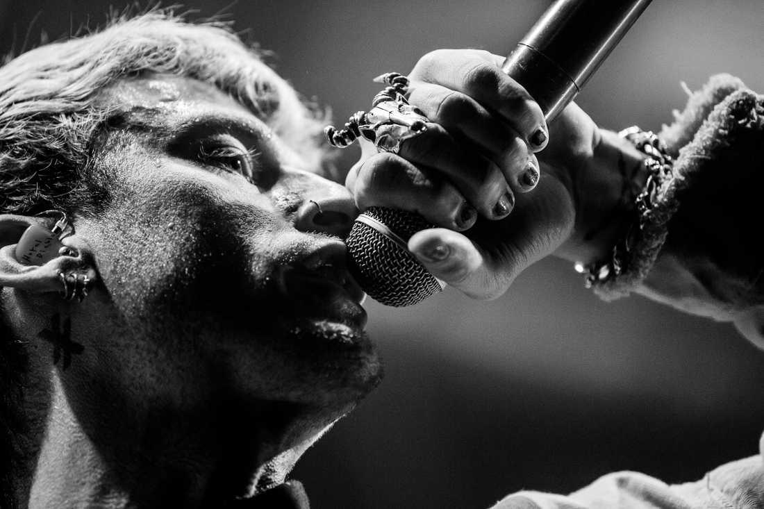 Machine Gun Kelly under en konsert på Fryshuset för exakt ett år sedan – när konserter fortfarande fanns.