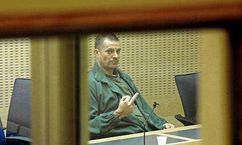1993 dömdes Rocco Jensen, 41, för att ha misshandlat och knivhuggit sin unga flickvän Lotta Lindström till döds. I december förra året släpptes han fri. I somras åtalades han igen – misstänkt för våldtäkt på en tolvårig flicka. Domen föll i dag.