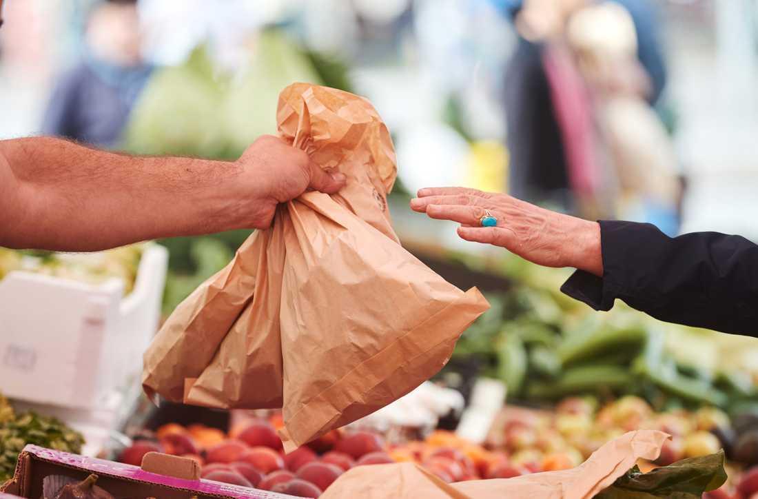 Malmö stad har förbjudit plastpåsar inom torghandeln i Malmö.
