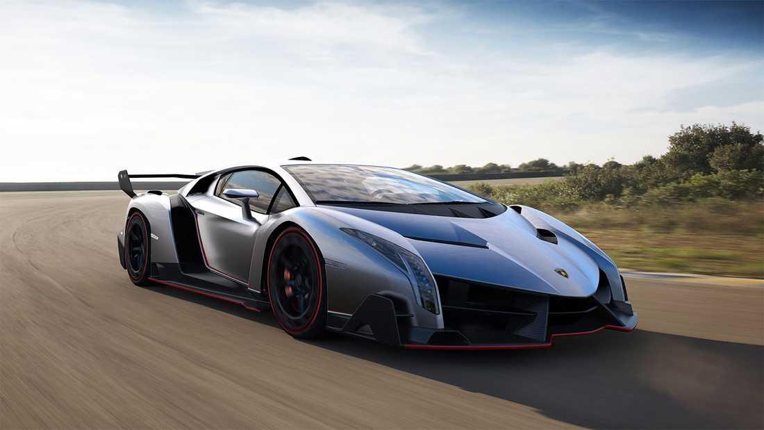 Lamborghini Veneno byggdes för att hylla tillverkarens50 år i branschen. Bilen tillverkades i minimal serie och under huven är det 750 kusar.