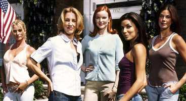 "Desperata. Nicollette Sheridan, Felicity Huffman, Marcia Cross, Eva Longoria och Teri Hatcher i ""Desperate Housewives"""