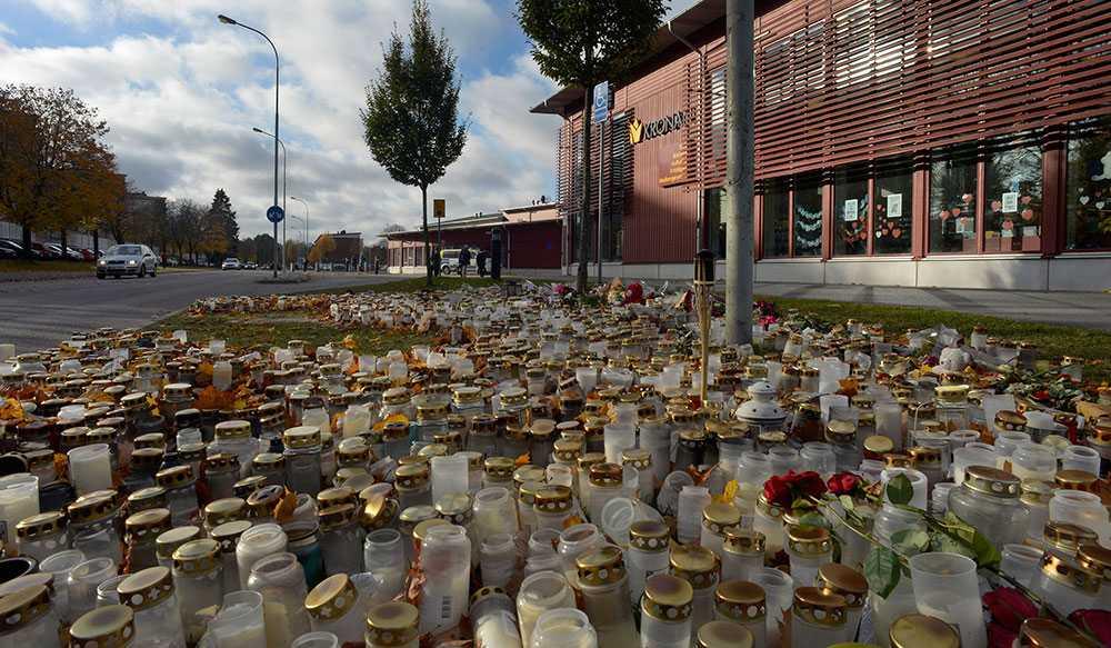 tragedi Den 22 oktober förra året gick den 21-årige Anton Lundin Pettersson in på Kronans skola i Trollhättan. Beväpnad med kniv började han hugga folk och tragedin var ett faktum.