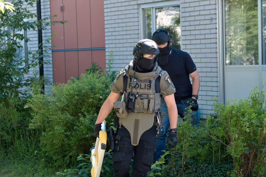 Polisens insatsstyrka på plats i Uppsala