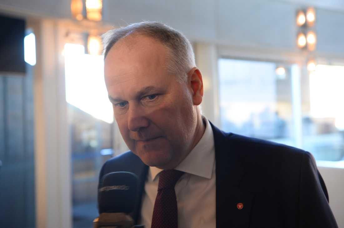 Jons Sjöstedt (v)