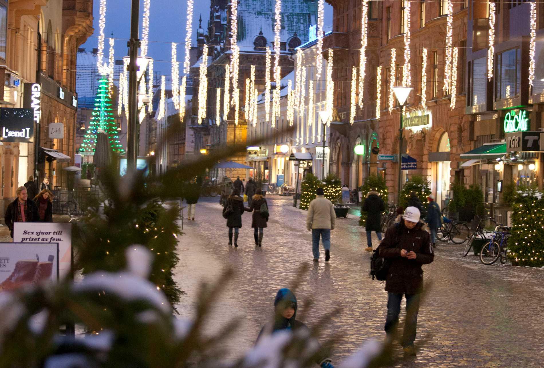 Handlarna i centrala Malmö vittnar om en ökad dansk turism.