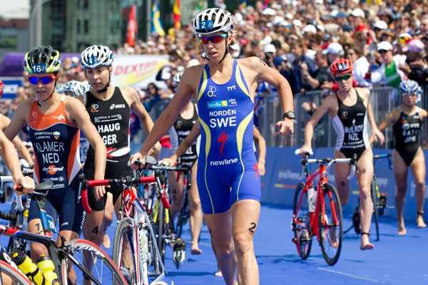 Cyklingen gick också bra och hon växlade som fyra efter fyra stabila mil.