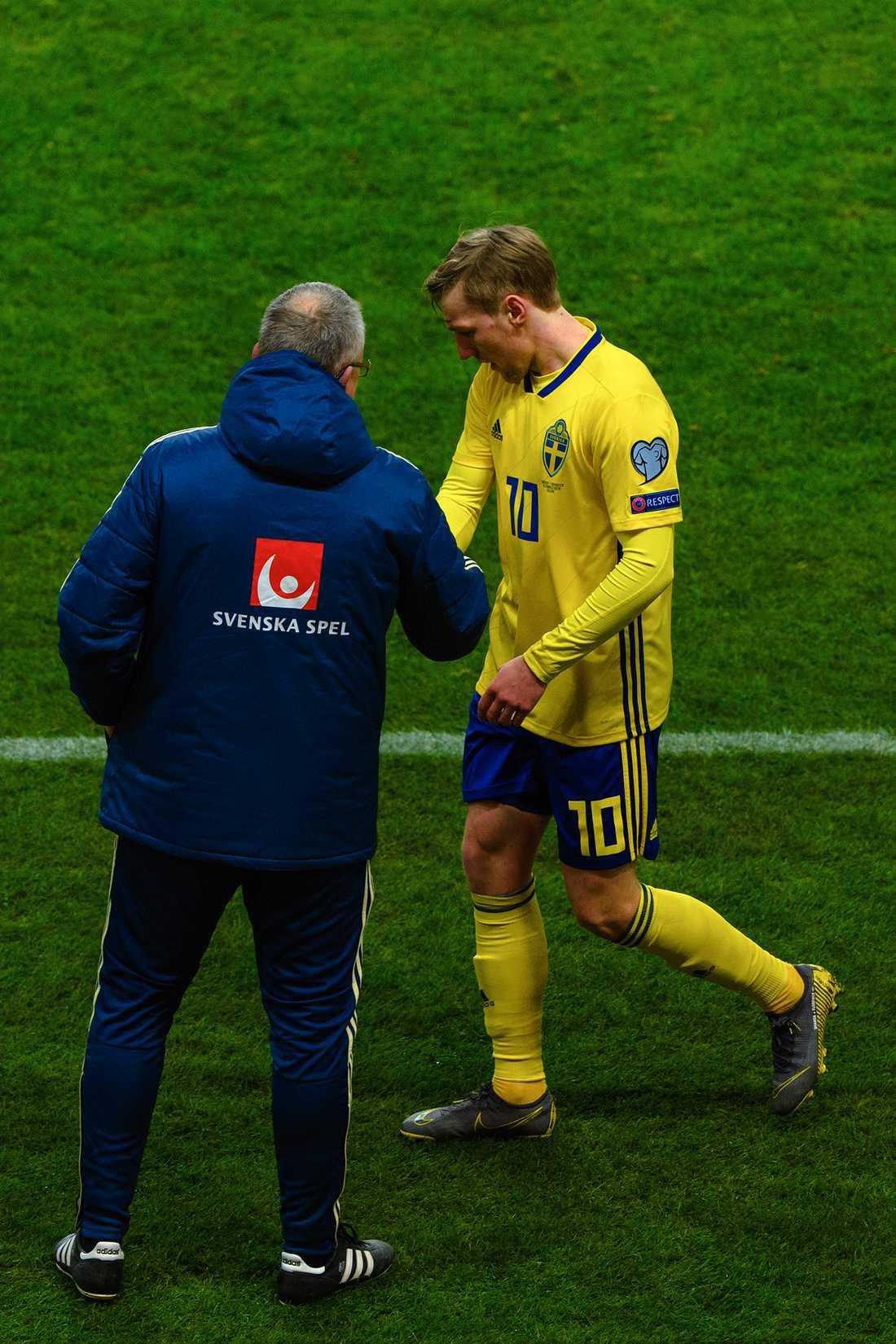 Emil Forsberg byttes ut i matchen mot Rumänien