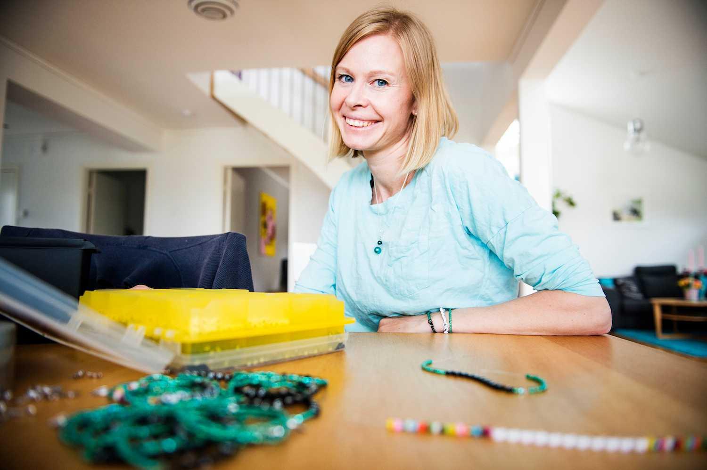Anna 36 Har Livmoderhalscancer Hennes Armband Gynnar Forskningen