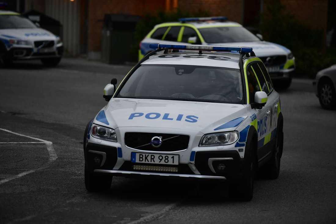 Polisen larmades till platsen på måndagskvällen.