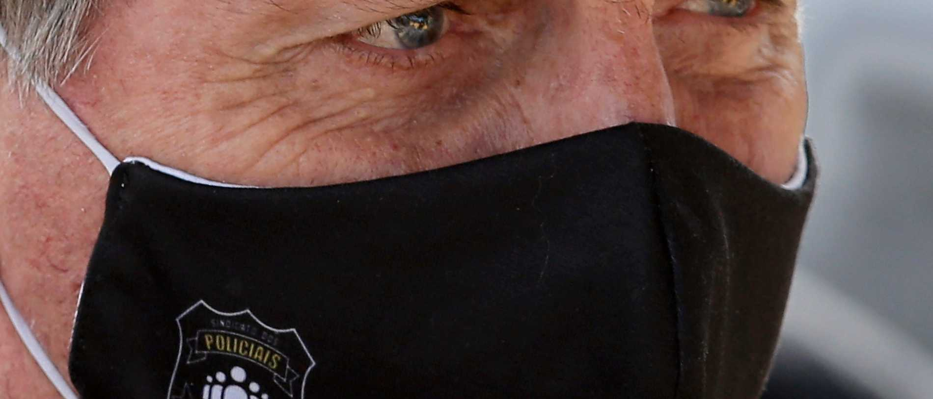 Coronsamittad Bolsonaro stoppar virusstöd