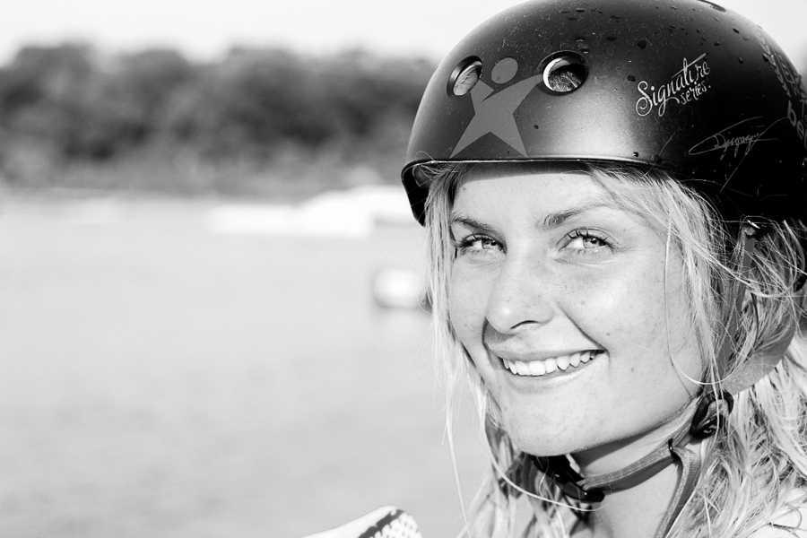 Wakeboardstjärnan Caroline Djupsjö har fått nog av sexism och orättvisor inom idrotten.