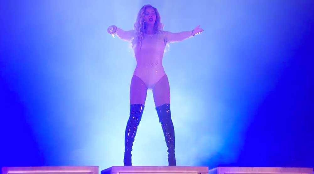 Beyonce framförde flera låtar