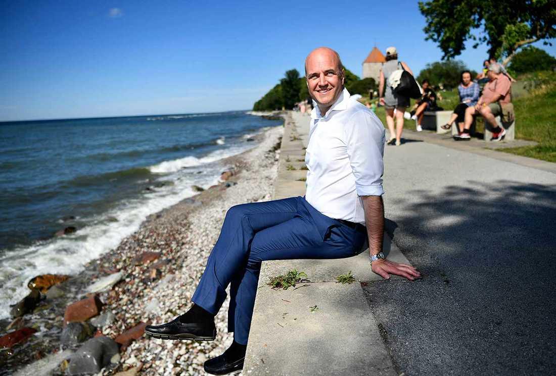"""""""I grunden slutar hans typ av rörelse alltid på samma sätt. Med våld, hat och misstro mellan människor"""", säger Fredrik Reinfeldt."""
