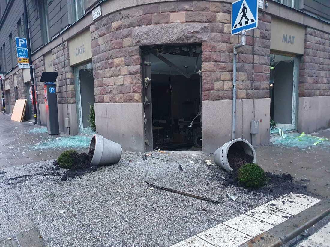 Kaféet i centrala Stockholm sprängdes i mars.